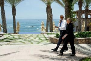 President Obama and US Delegation visit Esperanza